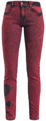 Skarlett in rot mit Waschung